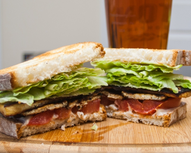 Vegetarian BLT With Tofu Bacon